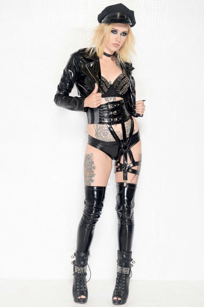 Heavy Metal Gothic Couture 5 Kelly Maglia