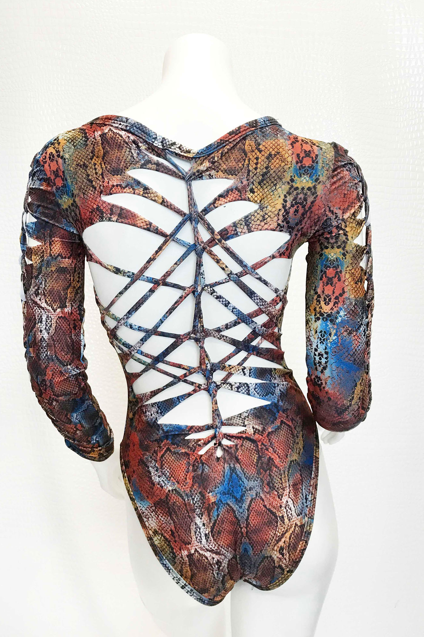 12157743ad Thick Cut Slashed Snakeskin One Piece - Kelly Maglia